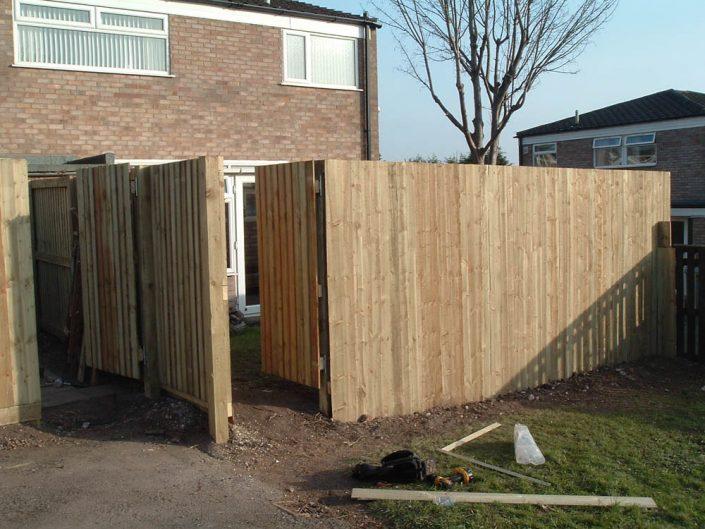 Fence Construction Warrington FPL Contractors